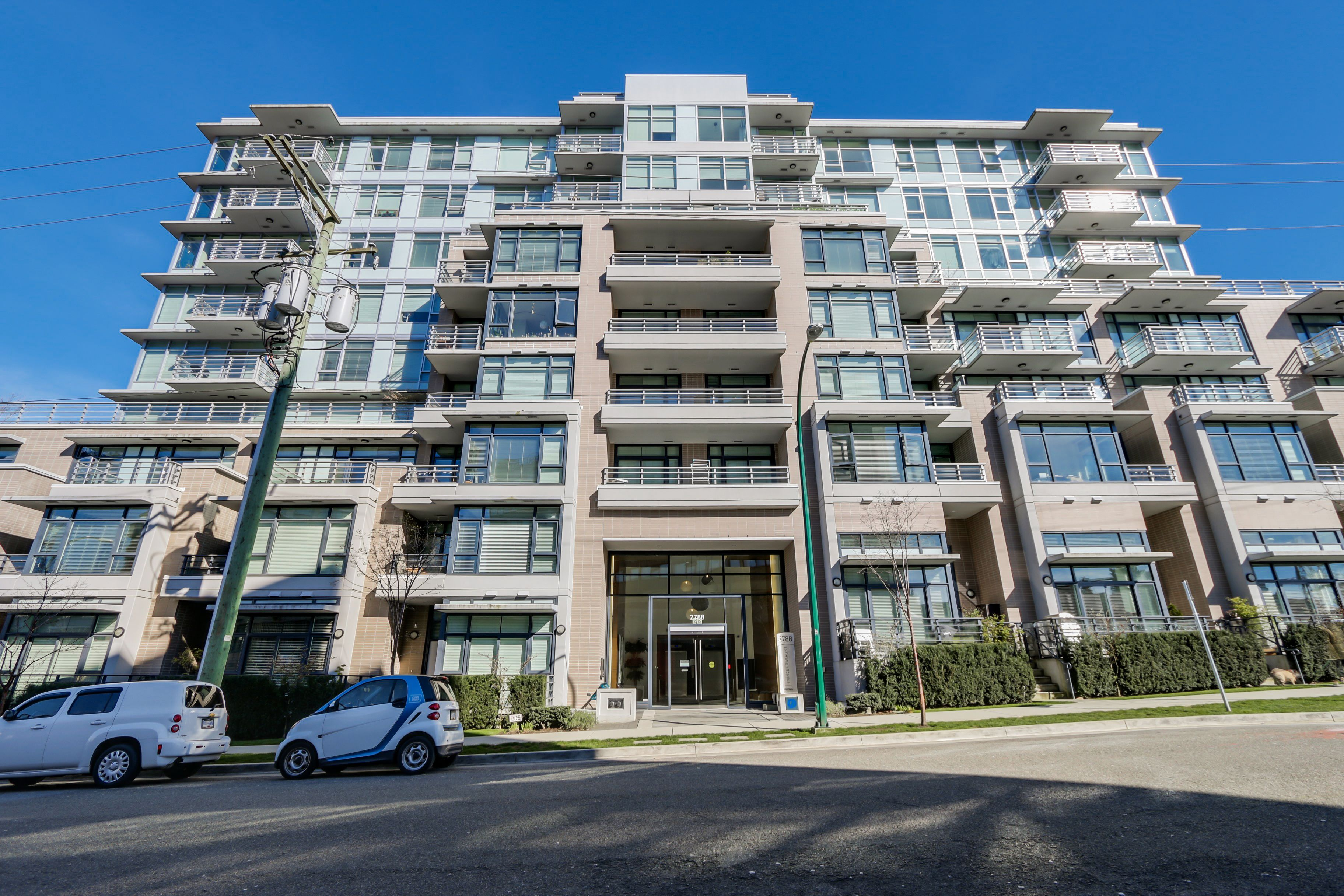 Main Photo: 501 2788 Prince Edward Street in UPTOWN: Home for sale : MLS®# R2052087