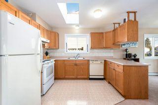 Photo 2: A 2395 Grant Ave in Courtenay: CV Courtenay City Half Duplex for sale (Comox Valley)  : MLS®# 856921