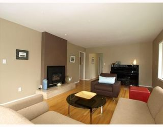 Photo 4: 1253 Sutherland Avenue in North Vancouver: Boulevard House for sale : MLS®# V785862