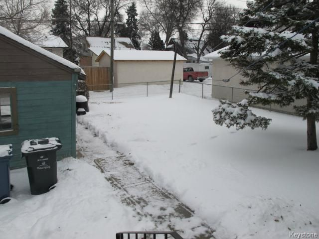 Photo 3: Photos:  in WINNIPEG: East Kildonan Residential for sale (North East Winnipeg)  : MLS®# 1325656