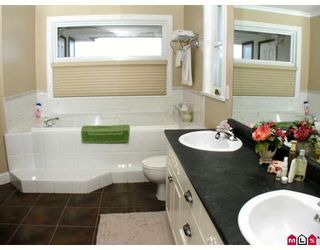 """Photo 17: 35943 REGAL Parkway in Abbotsford: Abbotsford East House for sale in """"REGAL PEAKS ESTATES"""" : MLS®# F2920162"""
