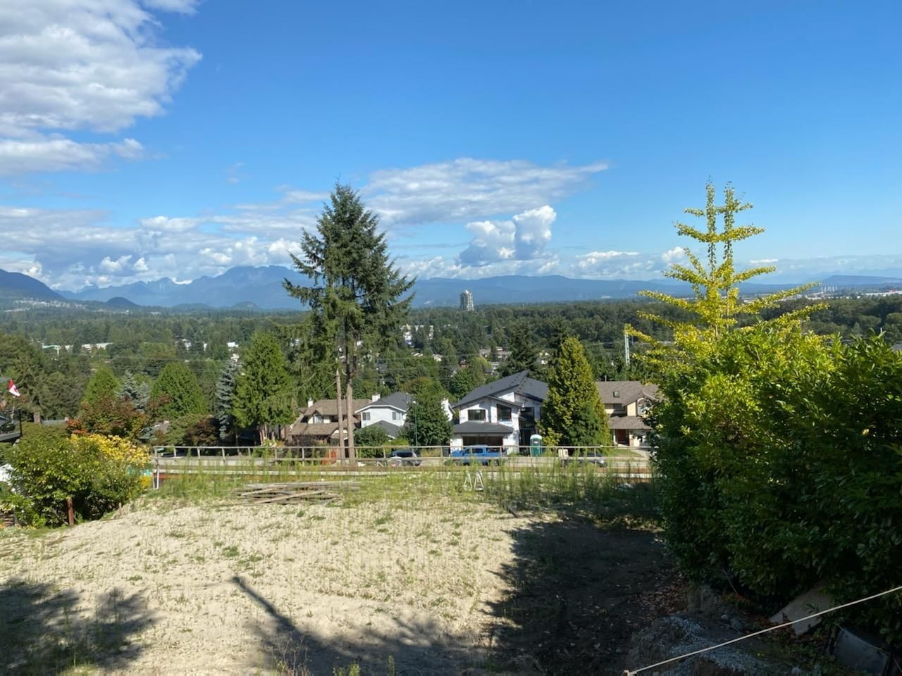 Main Photo: 2929 WICKHAM Drive in Coquitlam: Ranch Park House for sale : MLS®# R2617249