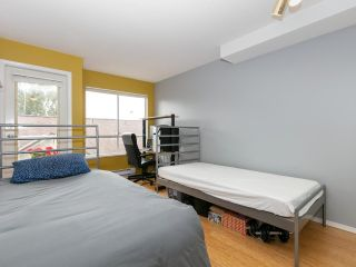 """Photo 14: 215 3400 SE MARINE Drive in Vancouver: Champlain Heights Condo for sale in """"Tiffany Ridge"""" (Vancouver East)  : MLS®# R2392821"""