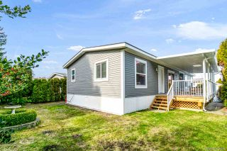 """Photo 26: 23 2303 CRANLEY Drive in Surrey: King George Corridor Manufactured Home for sale in """"Sunnyside Estates"""" (South Surrey White Rock)  : MLS®# R2550516"""