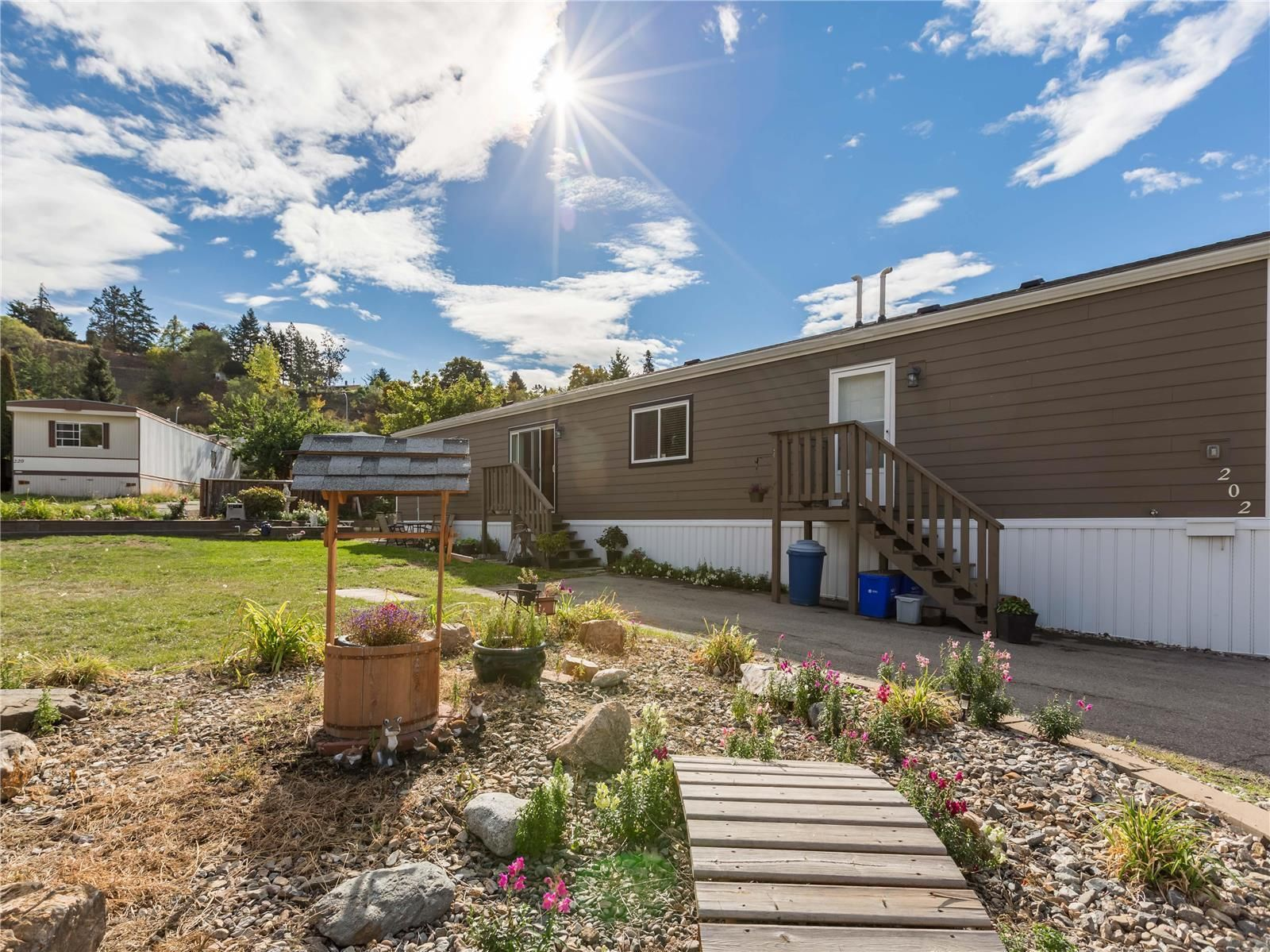 Main Photo: #202 15401 Kalamalka Road, in Coldstream: House for sale : MLS®# 10240940