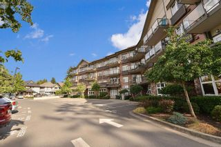 Photo 1: 304 2220 Sooke Rd in : Co Hatley Park Condo for sale (Colwood)  : MLS®# 883959