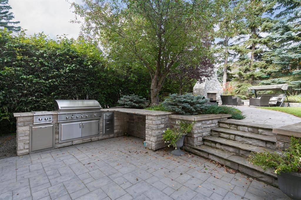 Photo 13: Photos: 1420 Beverley Place SW in Calgary: Bel-Aire Detached for sale : MLS®# A1060007