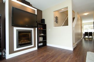"""Photo 6: 50 6299 144TH Street in Surrey: Sullivan Station Townhouse for sale in """"ALTURA"""" : MLS®# F1215984"""