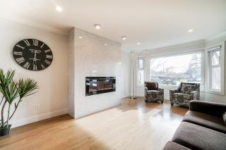 Photo 3: 15476 KILMORE Court: House for sale in Surrey: MLS®# R2546160
