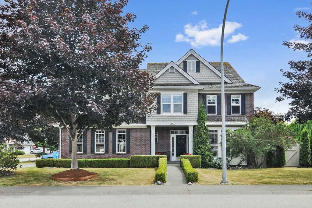 """Main Photo: 9160 202B Street in Langley: Walnut Grove House for sale in """"Country Crossing"""" : MLS®# R2380920"""