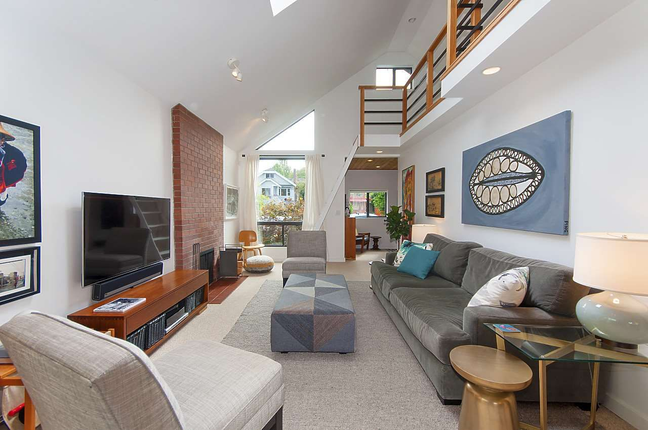 Main Photo: : Vancouver House for rent (Vancouver West)  : MLS®# AR073