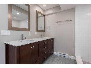 """Photo 14: 51 8737 212 Street in Langley: Walnut Grove Townhouse for sale in """"Chartwell Green"""" : MLS®# R2448561"""