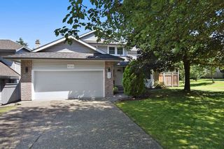 "Photo 1: 8784 212 Street in Langley: Walnut Grove House for sale in ""Forest Hills"" : MLS®# R2185000"