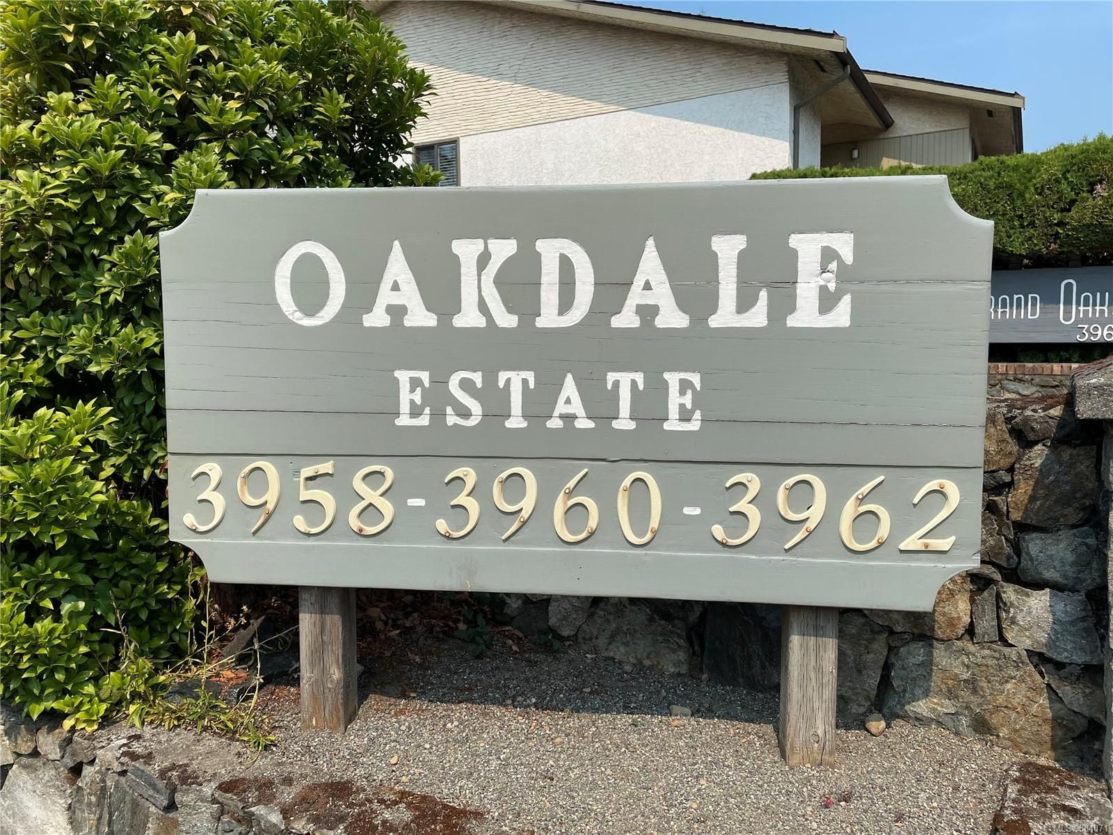 Main Photo: 311 3962 Cedar Hill Rd in : SE Mt Doug Condo for sale (Saanich East)  : MLS®# 884071