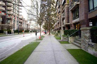 """Photo 2: 1002 1088 RICHARDS Street in Vancouver: Yaletown Condo for sale in """"RICHARDS LIVING"""" (Vancouver West)  : MLS®# R2541305"""