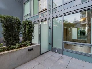 """Photo 13: 221 1783 MANITOBA Street in Vancouver: False Creek Condo for sale in """"Residences at West"""" (Vancouver West)  : MLS®# R2055907"""