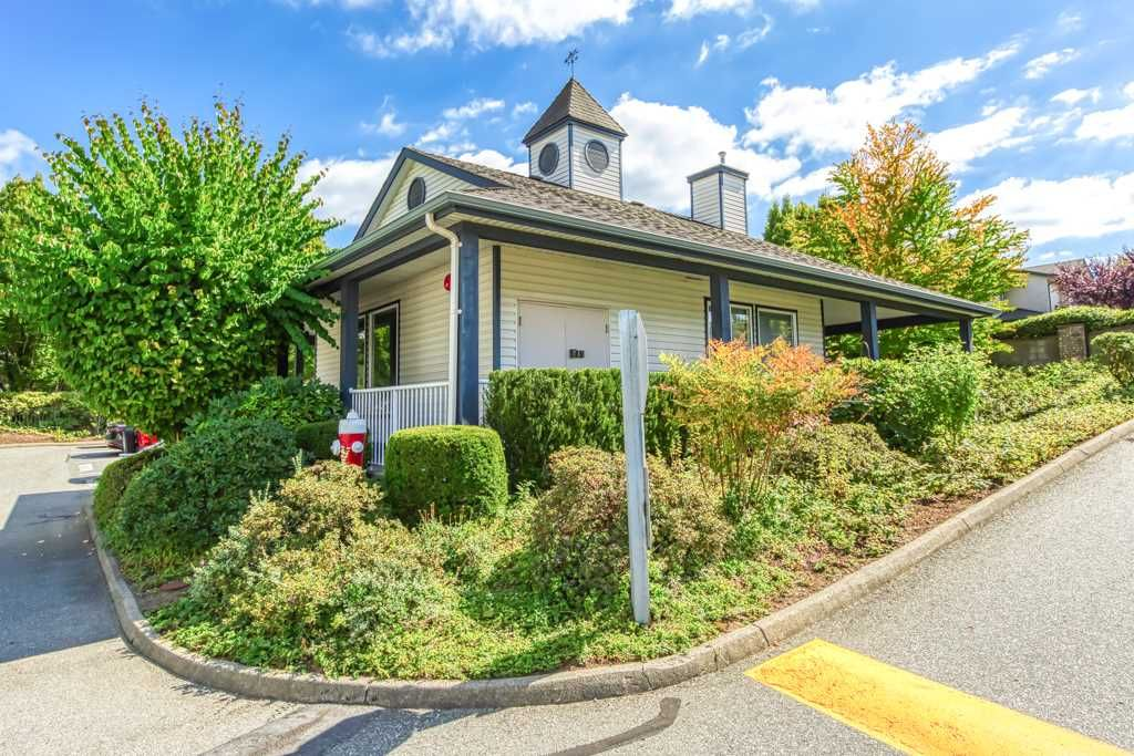 """Photo 18: Photos: 1 21579 88B Avenue in Langley: Walnut Grove Townhouse for sale in """"Carriage Park"""" : MLS®# R2494791"""