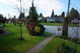 """Photo 19: 6882 YEOVIL Place in Burnaby: Montecito House for sale in """"Montecito"""" (Burnaby North)  : MLS®# V1119163"""