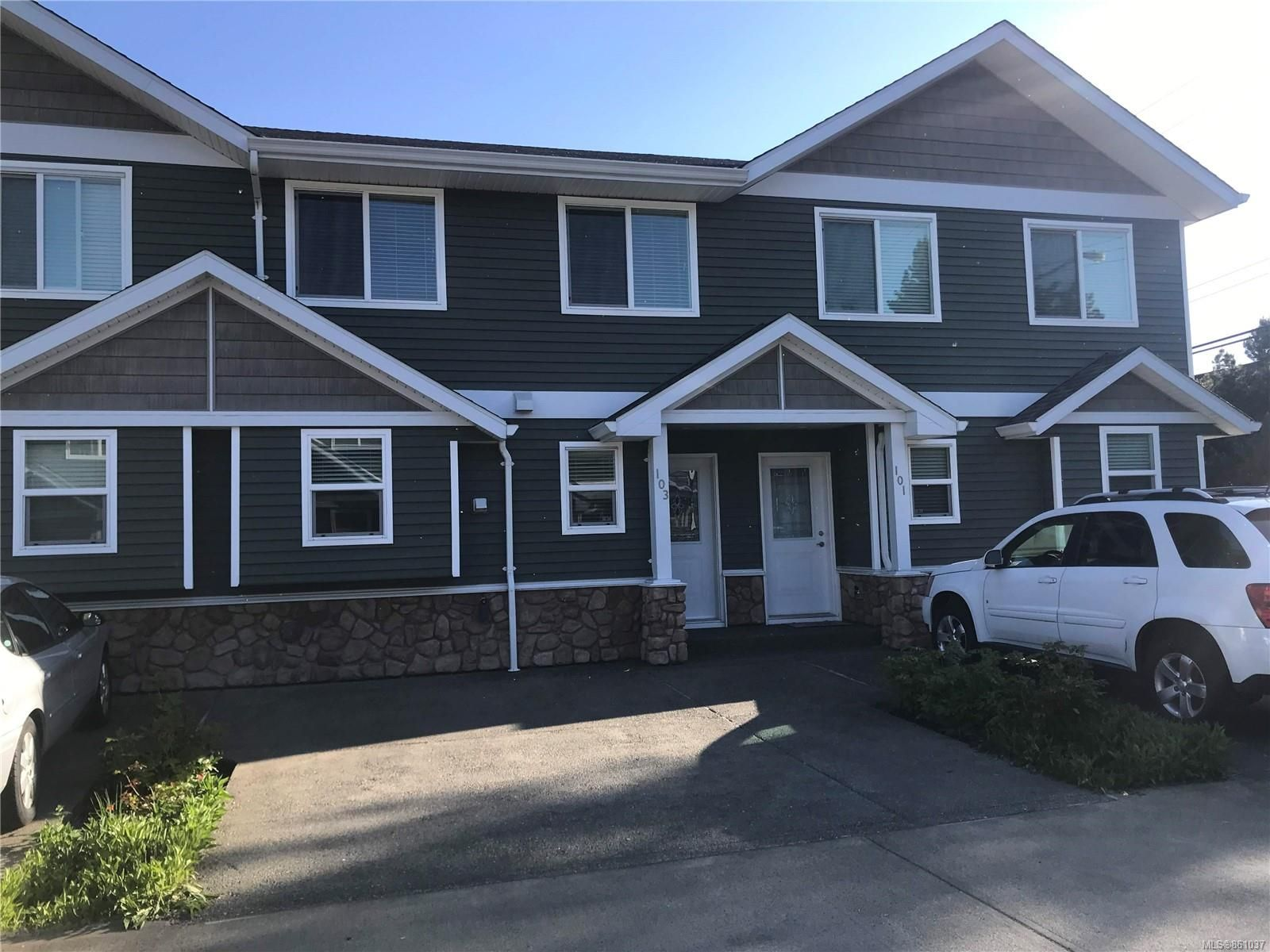 Main Photo: 103 170 Centennial Dr in : CV Courtenay East Row/Townhouse for sale (Comox Valley)  : MLS®# 861037