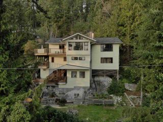 Photo 1: 5704 CARMEL PLACE in Sechelt: Sechelt District House for sale (Sunshine Coast)  : MLS®# R2504728
