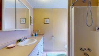 Photo 17: 1 5575 MASON Road in Sechelt: Sechelt District Manufactured Home for sale (Sunshine Coast)  : MLS®# R2605961