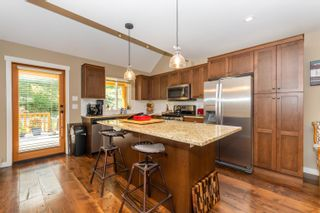 """Photo 11: 43409 BLUE GROUSE Lane: Lindell Beach House for sale in """"THE COTTAGES AT CULTUS LAKE"""" (Cultus Lake)  : MLS®# R2617091"""