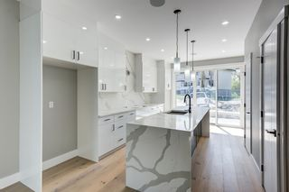 Photo 5: 8805 STRATHEARN Drive in Edmonton: Zone 18 House for sale : MLS®# E4246392