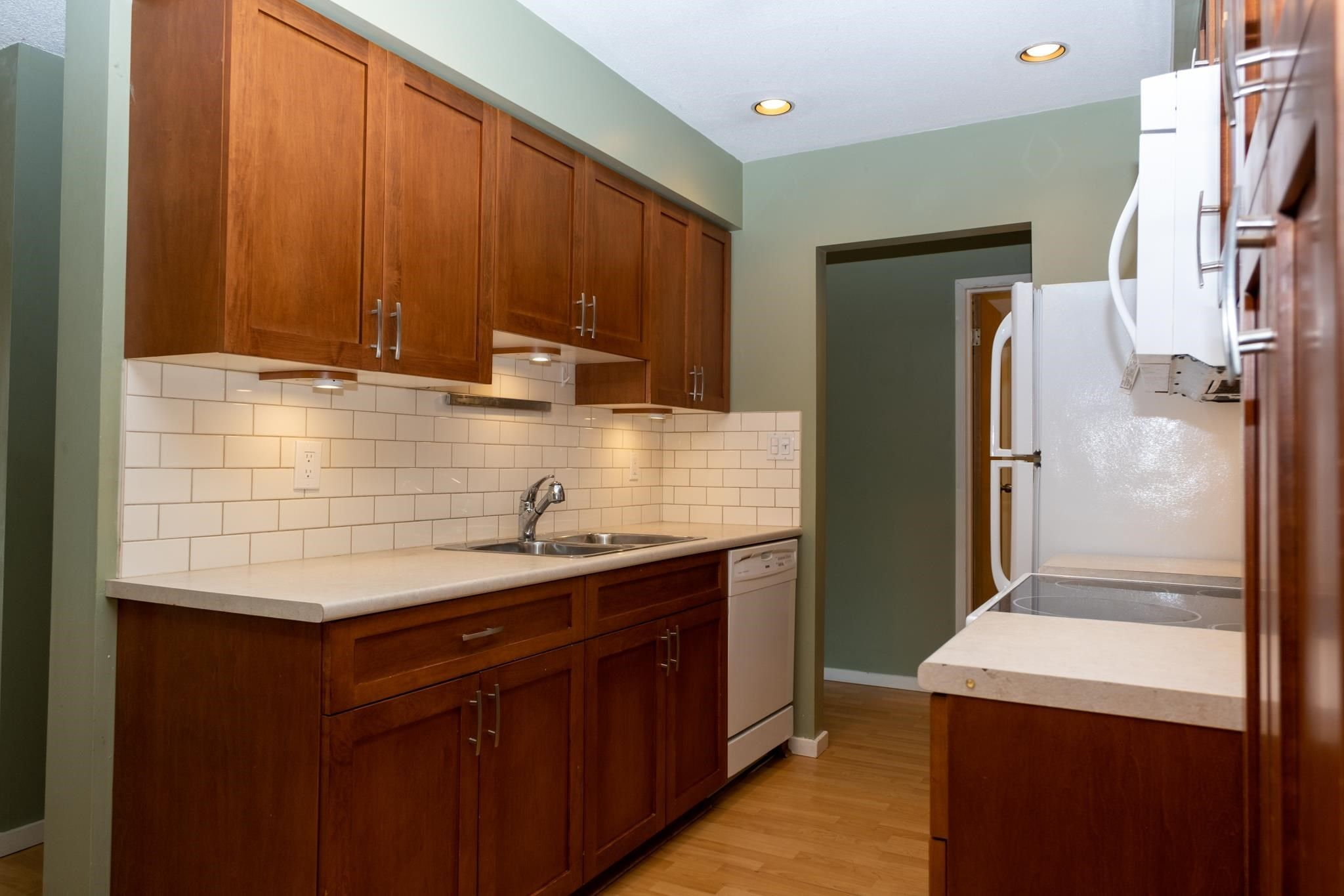 """Main Photo: 312 4363 HALIFAX Street in Burnaby: Brentwood Park Condo for sale in """"Brent Gardens"""" (Burnaby North)  : MLS®# R2601508"""