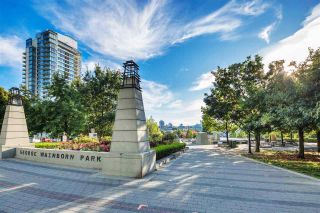 """Photo 3: 102 550 PACIFIC Street in Vancouver: Yaletown Condo for sale in """"AQUA AT THE PARK"""" (Vancouver West)  : MLS®# R2221945"""