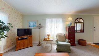 Photo 9: 1 5575 MASON Road in Sechelt: Sechelt District Manufactured Home for sale (Sunshine Coast)  : MLS®# R2605961