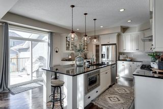 Photo 8: 8215 9 Avenue SW in Calgary: West Springs Detached for sale : MLS®# A1081882