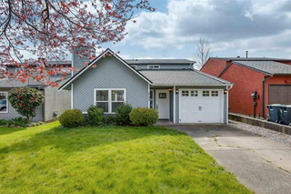 Photo 1: 2134 Winston Court in Langley: Willoughby Heights House for sale