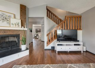 Photo 7: 121 Woodfield Close SW in Calgary: Woodbine Detached for sale : MLS®# A1126289