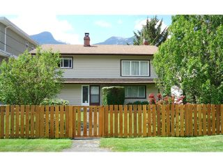 "Photo 1: 38055 FIFTH Avenue in Squamish: Downtown SQ House for sale in ""DOWNTOWN SQUAMISH"" : MLS®# V1124498"