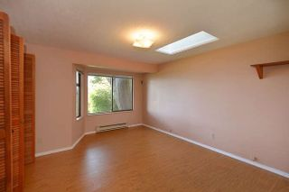 Photo 15: 221 SECOND Street in Gibsons: Gibsons & Area House for sale (Sunshine Coast)  : MLS®# R2259750