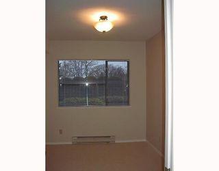Photo 4: # 2 2118 EASTERN AV in North Vancouver: Condo for sale : MLS®# V755125