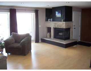 Photo 2: 14 WOODFIELD Bay in WINNIPEG: Charleswood Residential for sale (South Winnipeg)  : MLS®# 2802619