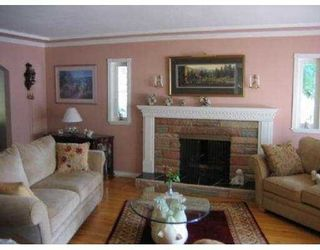 Photo 2: 1150 HANDSWORTH RD in North Vancouver: Canyon Heights NV House for sale : MLS®# V592602