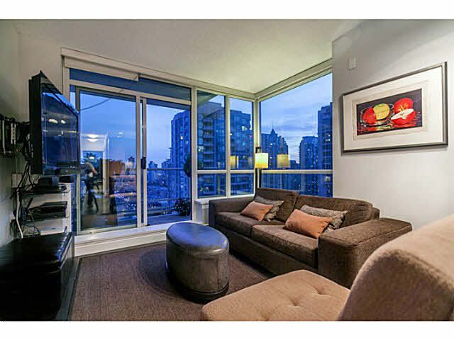 """Photo 1: Photos: 1808 821 CAMBIE Street in Vancouver: Downtown VW Condo for sale in """"RAFFLES ON ROBSON"""" (Vancouver West)  : MLS®# V1125986"""