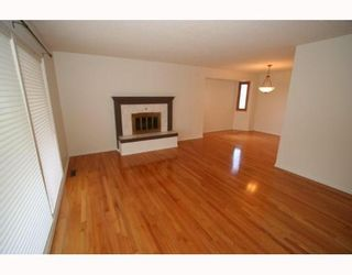 Photo 4:  in CALGARY: Huntington Hills Residential Detached Single Family for sale (Calgary)  : MLS®# C3377942