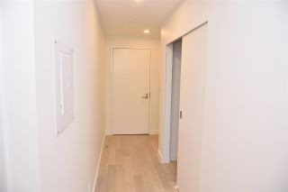 """Photo 5: 3811 1480 HOWE Street in Vancouver: Yaletown Condo for sale in """"VANCOUVER HOUSE BY WESTBANK"""" (Vancouver West)  : MLS®# R2543232"""