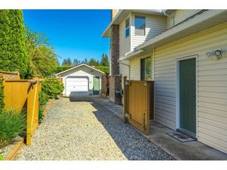 """Photo 3: 3358 198 Street in Langley: Brookswood Langley House for sale in """"Meadowbrook"""" : MLS®# R2583221"""