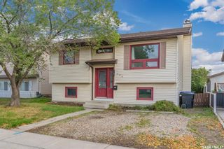 Photo 2: 150 Carter Crescent in Saskatoon: Confederation Park Residential for sale : MLS®# SK869901
