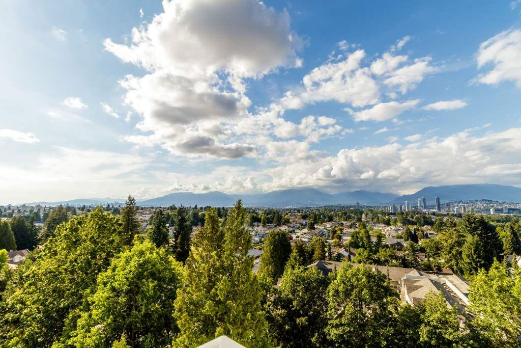 """Main Photo: 1003 4160 SARDIS Street in Burnaby: Central Park BS Condo for sale in """"CENTRAL PARK PLACE"""" (Burnaby South)  : MLS®# R2384342"""