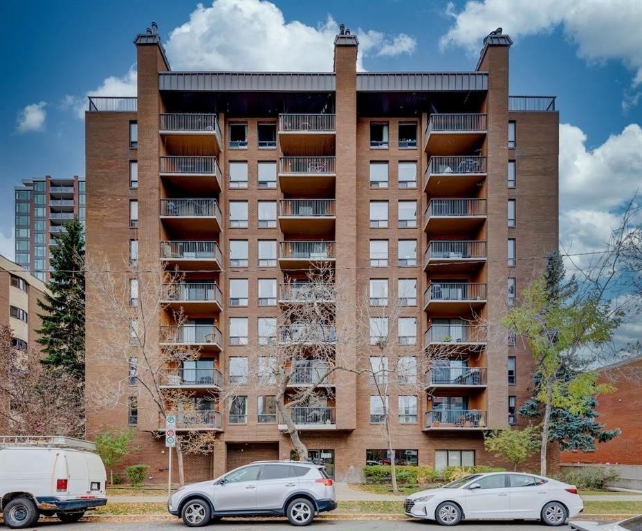 Main Photo: 304 1323 15 Avenue SW in Calgary: Beltline Apartment for sale : MLS®# A1152767