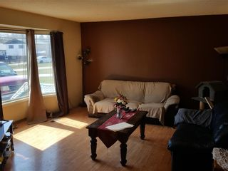 Photo 3: 78 catherine Bay in Selkirk: R14 Residential for sale : MLS®# 202109835