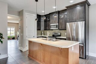 Photo 3: 2012 20 Avenue NW in Calgary: Banff Trail Detached for sale : MLS®# A1061781