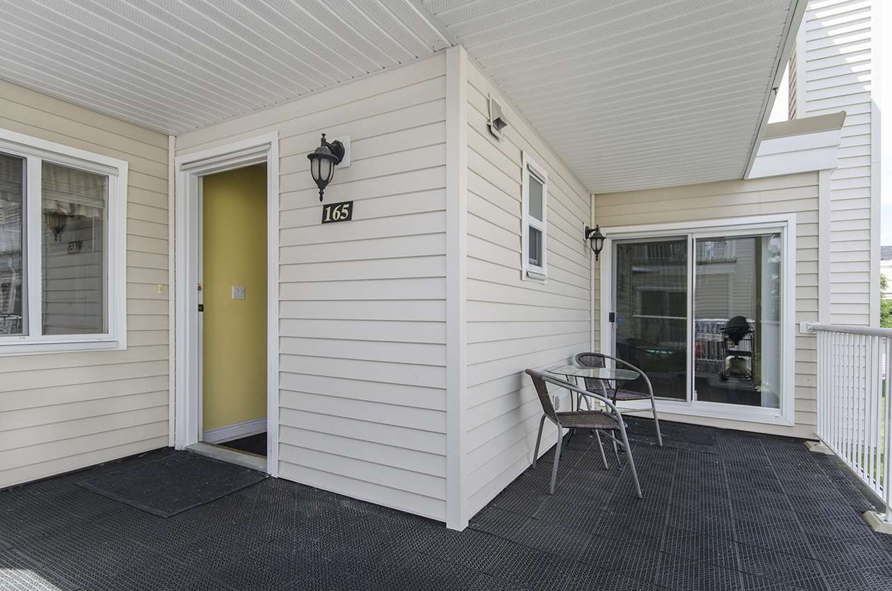 Main Photo: 165 10077 156 STREET in : Guildford Townhouse for sale : MLS®# R2077912