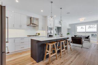 Photo 5: 2113 53 Avenue SW in Calgary: North Glenmore Park Semi Detached for sale : MLS®# C4226346
