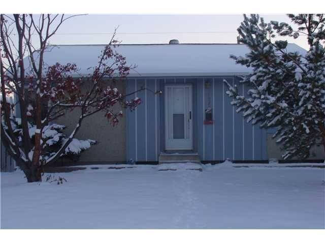 Main Photo: 4635 MARCOMBE Road NE in CALGARY: Marlborough Residential Detached Single Family for sale (Calgary)  : MLS®# C3550790